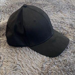 Oakley black hat - medium/large